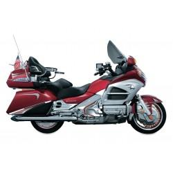 Chromowana osłony akumulatora motocykla Honda GL 1800  - widok na Goldasie