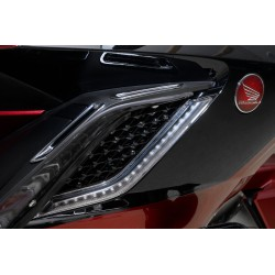 Czarne nakładki na wloty powietrza z podświetleniem Honda Gold Wing 1800 '18- / GOLD-48321