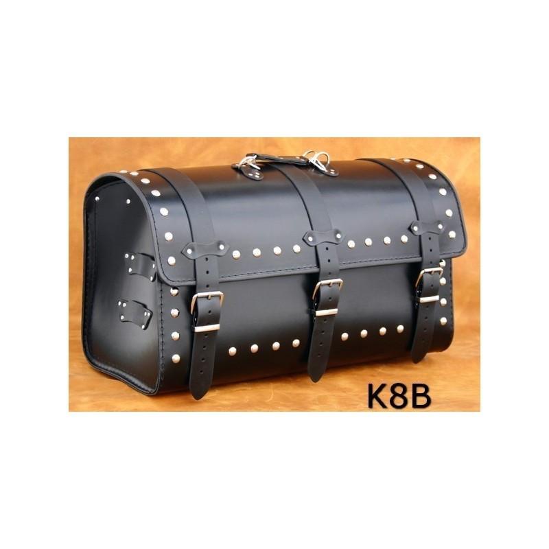 Duży motocyklowy kufer skórzany z ćwiekami / SA-K8B