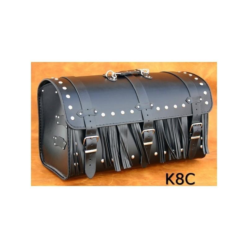 Duży motocyklowy kufer skórzany z ćwiekami i frędzlami / SA-K8C
