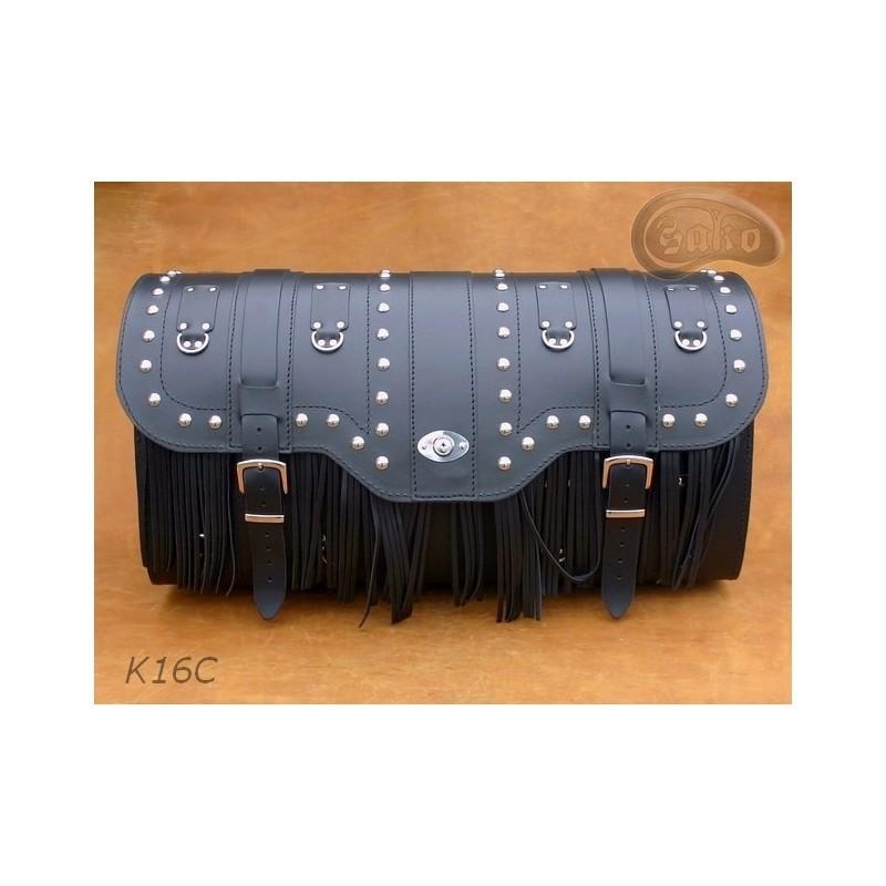 Duży centralny kufer z zamkiem ćwiekami i frędzlami / SA-K16C
