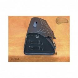 Skórzany kufer motocyklowy ze skrzydłami, ćwiekowany / SA-K20B - bok