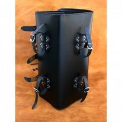 Kufer centralny z 3 klamrami gładki / SA-K21A - mocowania